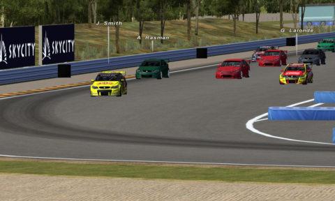 Mert Kayar runs at front of field in Hidden Valley V8SC // Race2Play
