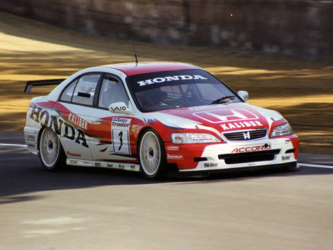 Nicola Guarini held the lead for four laps in a run to fifth place in Gothenburg '08 STCC // Race2Play