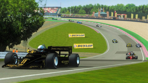 April Dillon led the pack for seven laps in a run to seventh place in the Brands Hatch F185 in Round 2 of the Terrible Turbos series // Race2Play