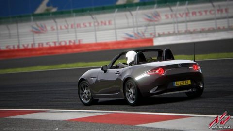 Alison Valassa finished 2nd place in Silverstone MX5 in Round 2 of the Mazda MX5 Cup series