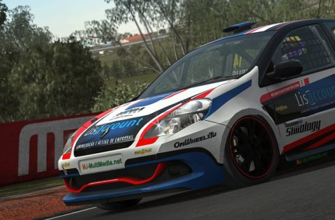 Alison Valassa Starts from 18th to finished in 8th place in Mid Ohio Clio @ Race2Play,com
