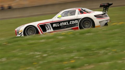 Joao Beato leads 21 of 28 laps but ultimately settling for third place in the Bathurst – Mt Panorama FIA GT3 @ Race2Play.com