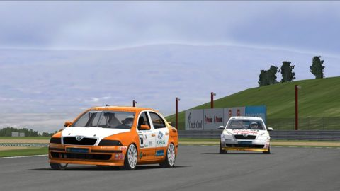 One last pass on the final lap put Joao Botelho De Sousa in sixth place at the finish line in the Suzuka @ Race2Play.com